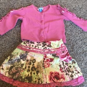 Gorgeous baby girls skirt and sweater
